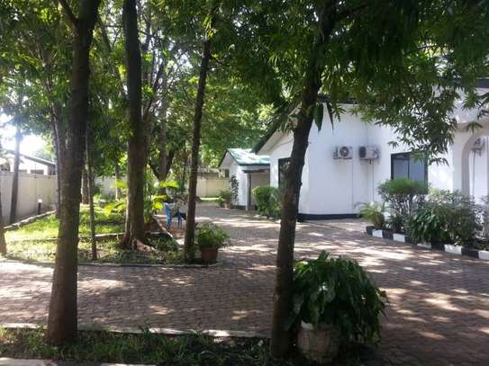 4 bed room house for rent 1.2mil at mbezi beach image 5