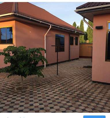 Beautiful 3 BEDROOMS MAISONETTES APARTMENTS FOR RENT IN MOROGORO image 1