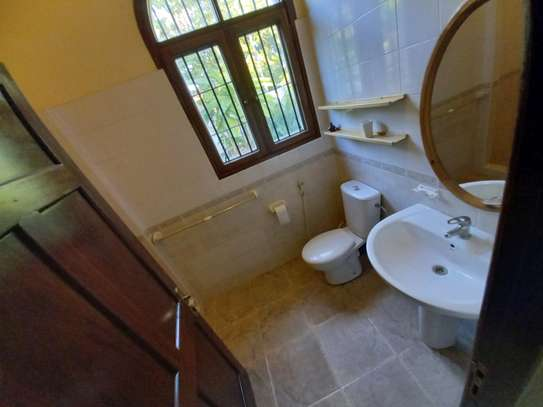3 BEDROOM APARTMENT AT OYSTERBAY image 5