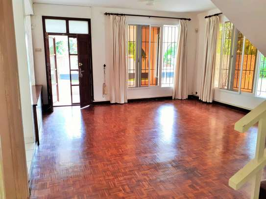 4 Bedrooms Spacious Standalone House in Masaki image 4