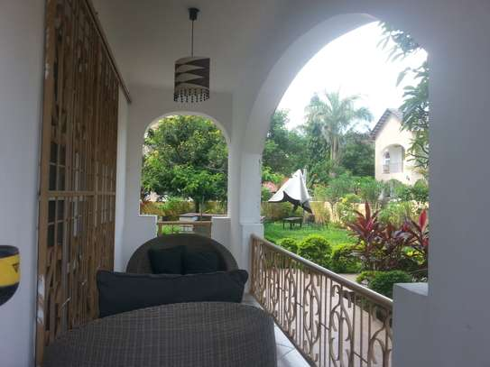 4 Bedrooms Large House In A Small Gated Community In Oysterbay image 9