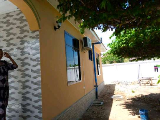3bedroom house for sale in Gezaulole Kigamboni. image 9