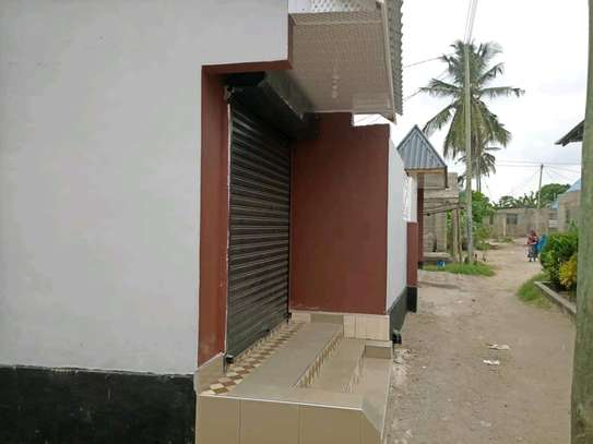 3 bdrms New House with 1 Shop at Mbagala CHAMAZI image 3