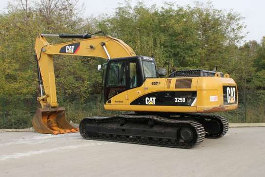 2008 Caterpillar 325D EXCAVATOR USD 60,000/=  CNF DAR PORT TSHS 170MILLION ON THE ROAD image 3