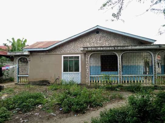 4 bed room house for sale at mbagala nzasa image 1
