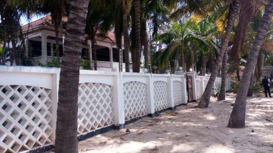 4 Bdrm Beachfront House at Kawe Beach image 5