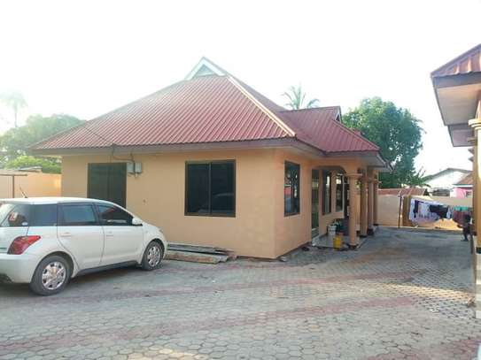 3 bed room big house for sale  at ukonga area image 2
