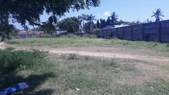 PLOT FOR SALE MBEZI BEACH image 1