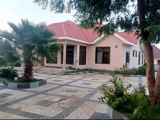 House for rent at kimara image 1