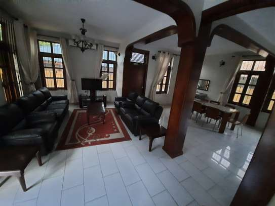 3 BEDROOMS CLASSIC VILLAH FOR RENT image 8