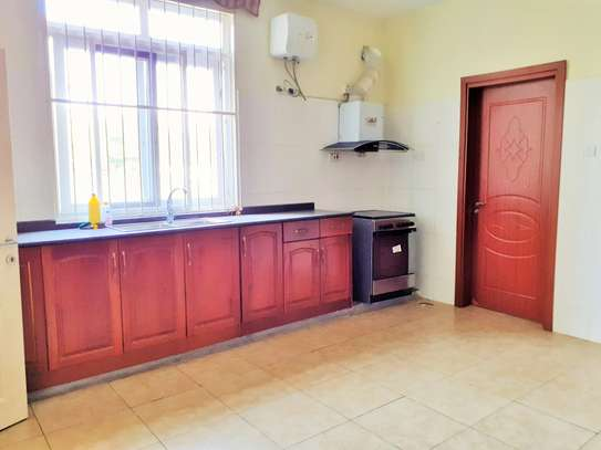 Specious 4 Bedrooms Townhouse With Sea View image 3