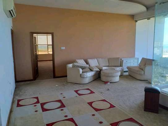 5BEDROOMS FULLYFURNISHED PENT HOUSE 4RENT AT UPANGA