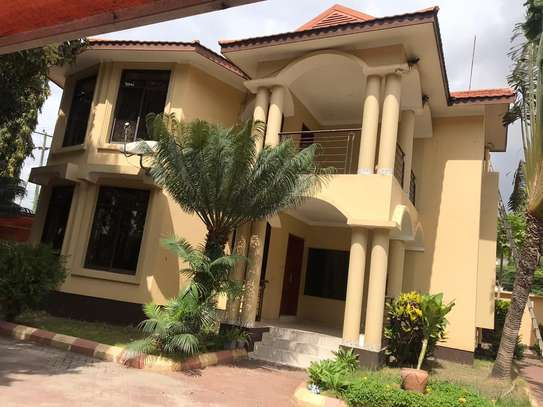 3 BED ROOM HOUSE FOR RENT AT MSASANI