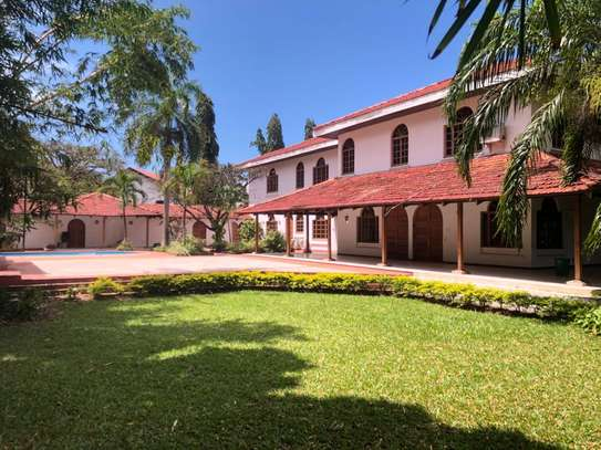 4 Bed Emabassy  House at Masaki $10000pm