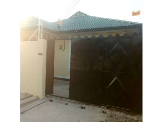 3bed house at kinondoni tsh 1,000,000 image 8