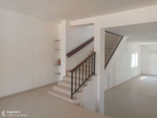 4bed house at oysterbay $4000pm image 8