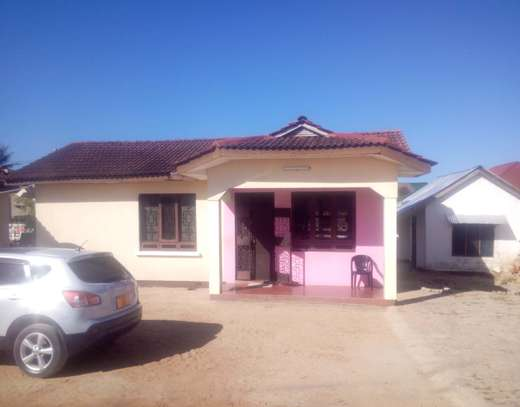 2 in 1 House for sale Ununio image 11