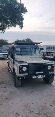 1999 Land Rover Defender image 2
