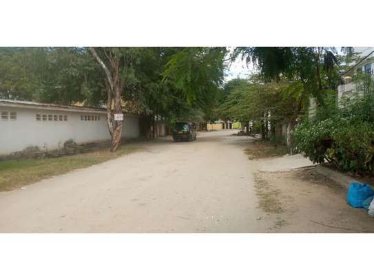4bed house  wit big compound at mikocheni a $800pm i deal for office image 7