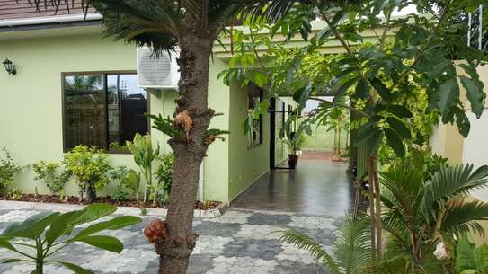 4 bed room house full ferniture for rent at mikocheni kwa warioba image 1