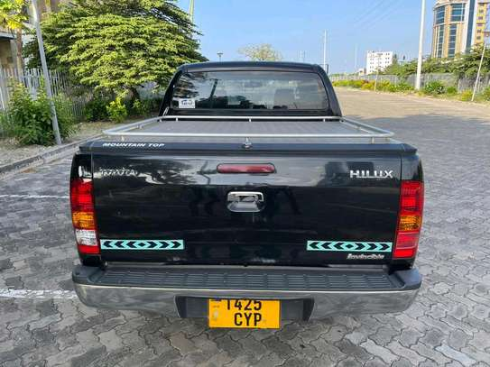 2007 Toyota hilux image 4