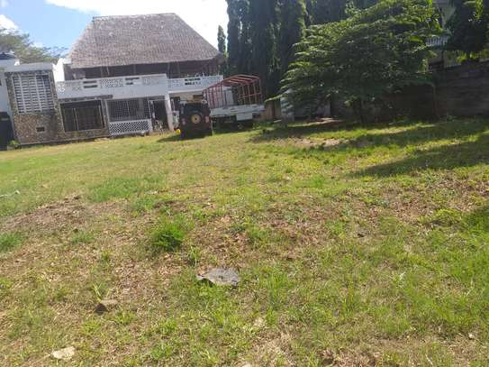 5 bed room house in the compound for rent at mikocheni kwa warioba image 4