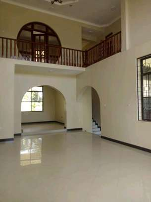 5 bedroom house in Goba close to Goba road. image 3
