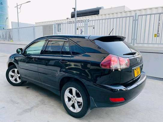 2004 Toyota Harrier image 5