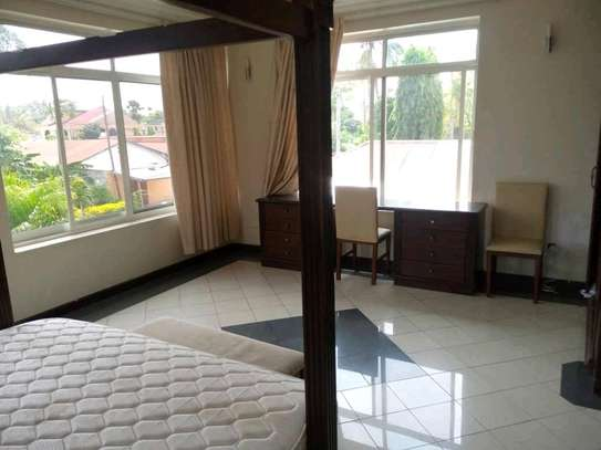 3BEDROOMS FULLYFURNISHED STANDALONE HOUSE 4RENT AT MIKOCHENI image 12