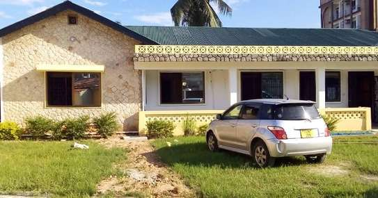 5 BEDROOMS HOUSE FOR RENT AT KIJITONYAMA image 1