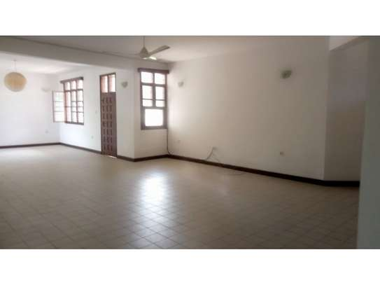 6 bed room huose for rent at mikocheni image 4