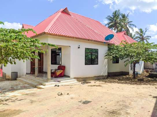 3 bed room house for sale at kigamboni tsh 56milion image 2