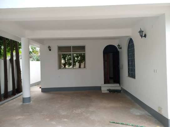 5 bed room house for rent at mikocheni image 7