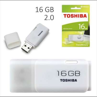 Toshiba 16GB™ U2 USB flash drive