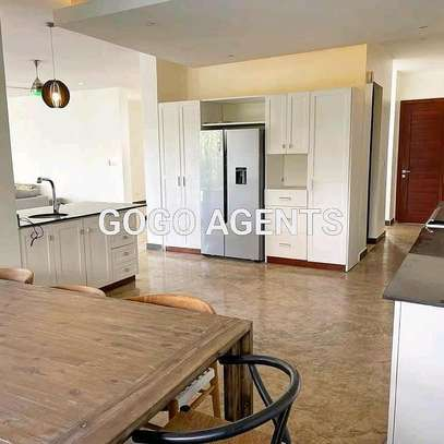 House for rent location ostabey image 2