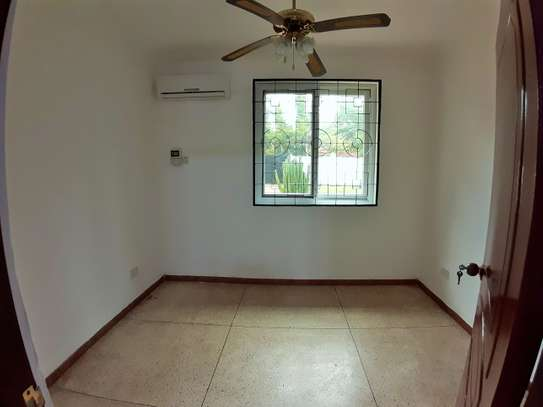 Well Maintained 3 Bedroom Standalone House In Masaki image 6