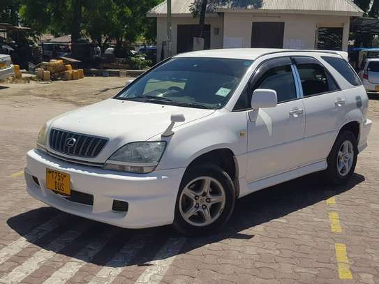 2003 Toyota Harrier image 4