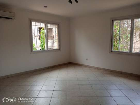 4bdrm villa house for rent in oyster bay image 6