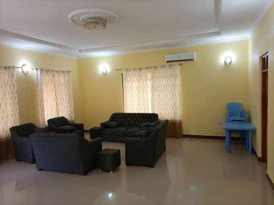 Stand alone 3 bdrm for rent at MASAKI image 5