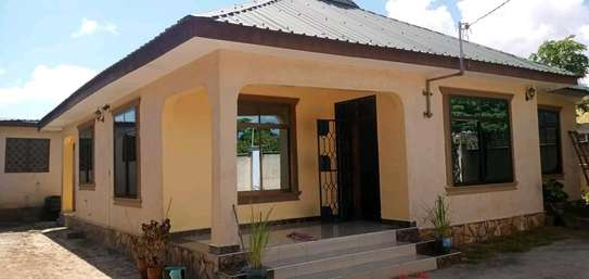 2bedroom House for sale at Boko beach. Tsh 90M image 1