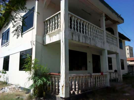 5bed house for sale at mikochen B TSH 500m image 3