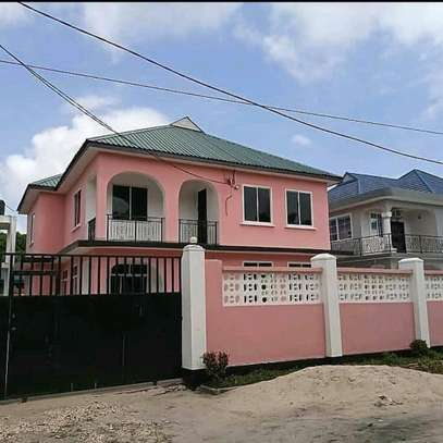 4 Bedroom House Tegeta Masaiti image 8