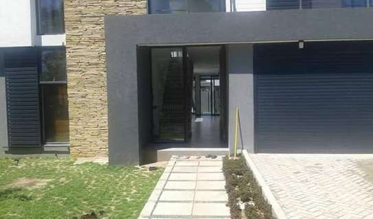 4 Bedrooms Modern House For Rent in Oysterbay image 4