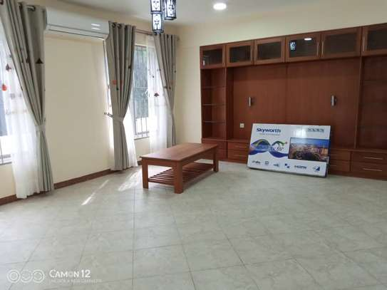 4 bed room brand new with pool for rent $3000pm at oyster bay dar image 12
