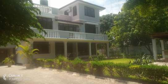 6 bed room townhouse for rent at masaki ideal for residential and office image 1