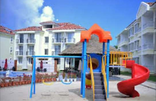 3 Bdrm Apartment at Oysterbay image 3