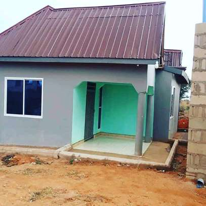 house for sale in dodoma makulu, 600 sqm plot size and it contain unfinished house within