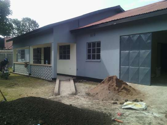 4 BDRM HOUSE AT NJIRO ARUSHA image 1