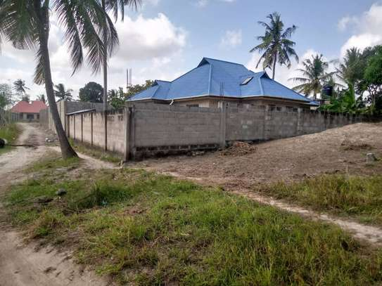 3bedroom house at ungindoni image 1
