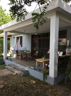 4 Bedrooms Pool House For Rent in Oysterbay image 5